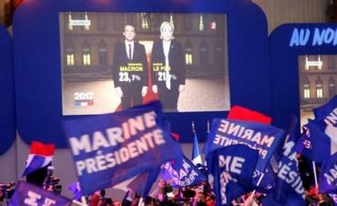 Emmanuel Macron y Marine Le Pen disputarán el ballotage en Francia