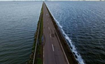La Ruta 7 podría quedar bajo agua