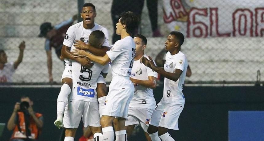 Estudiantes cayó como local ante Santos