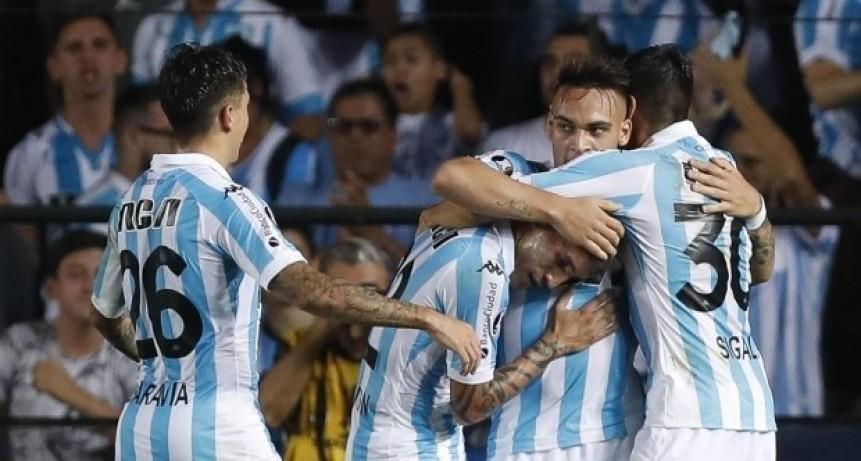 Racing goleó por la Copa Libertadores