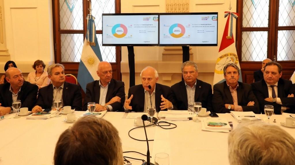 Lifschitz presentó el proyecto de ley de creación del Consejo Económico y Social