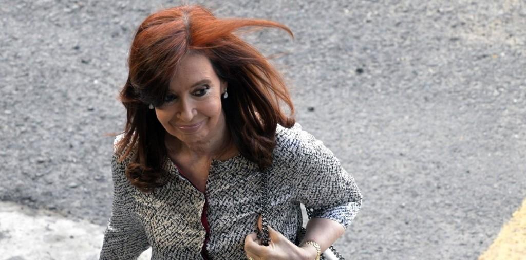Cristina Kirchner volvió al país tras visitar a su hija en Cuba