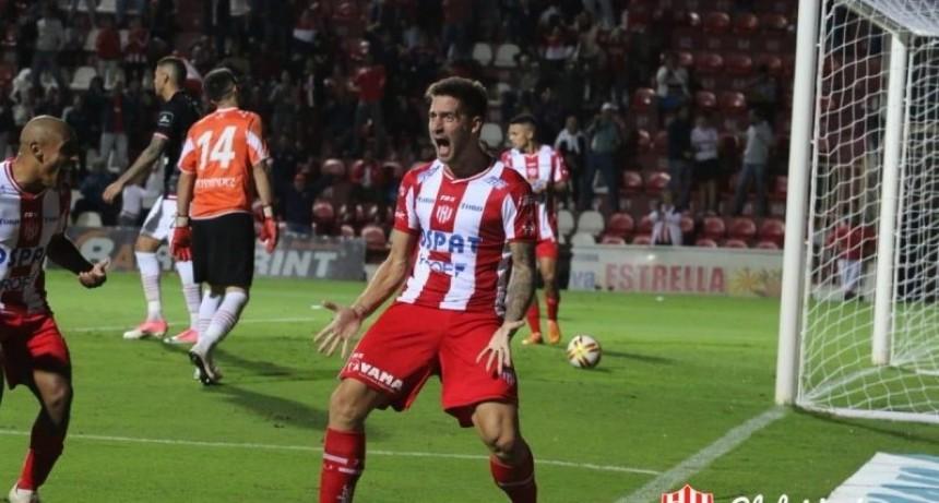 Unión goleó y está en octavos de final de la Copa de la Superliga