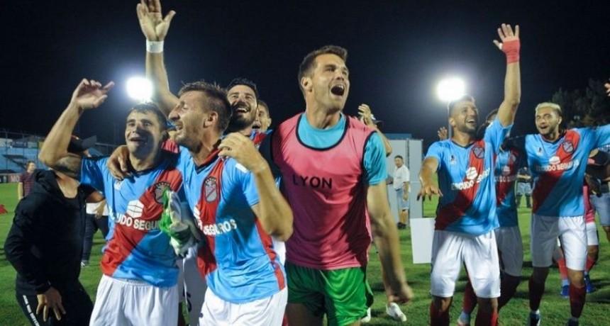 Sarmiento y Arsenal jugarán un desempate por el ascenso a Primera
