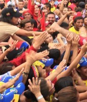 Militares se sublevan contra Maduro y Guaidó llama a calle sin retorno