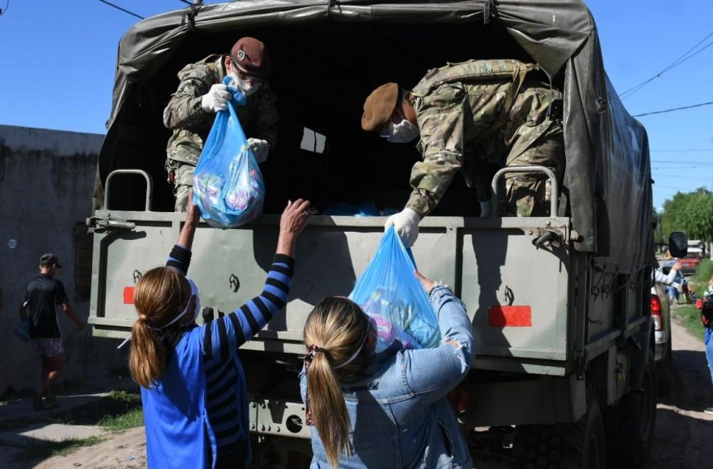 Las Fuerzas Armadas brindan asistencia en la ciudad de Santa Fe