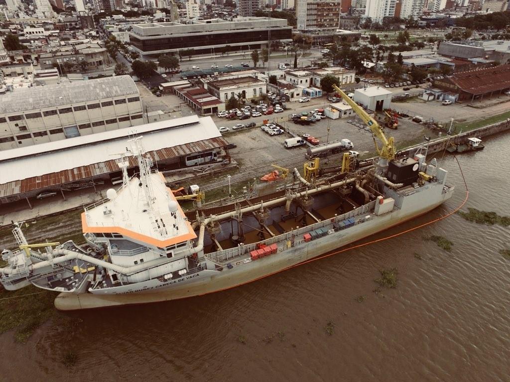 El Puerto de Santa Fe comenzó a dragar el canal de acceso para enfrentar la bajante del Río Paraná
