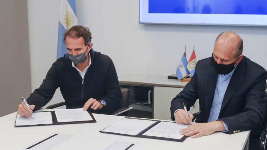 Perotti y Katopodis firmaron un convenio para realizar obras de agua potable y cloacas en nueve ciudades de la provincia