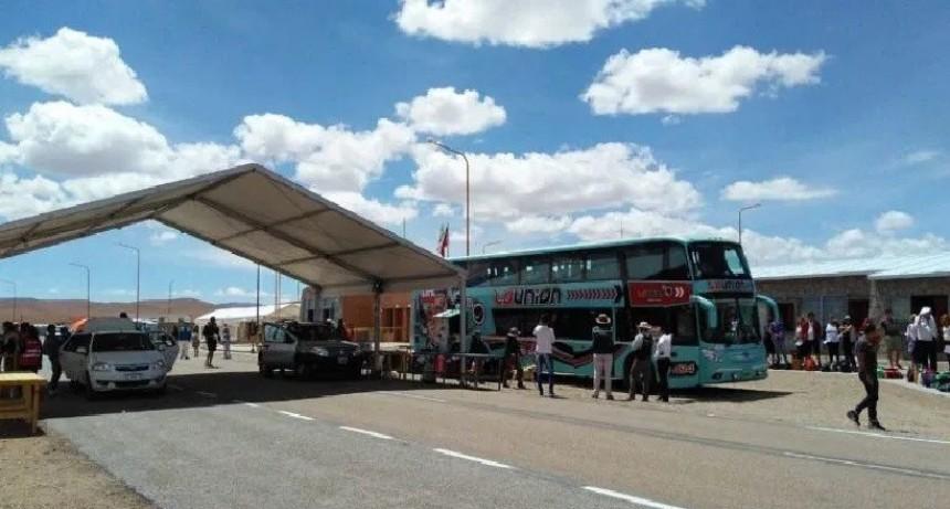 Migraciones intervino en el operativo de detección de un micro con pasajeros proveniente de Jujuy
