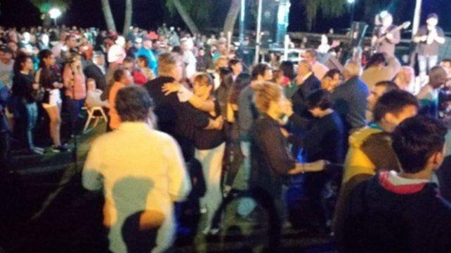 Escándalo por una masiva fiesta oficial en Santa Elena