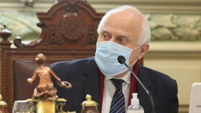 Lifschitz mostró signos de mayor estabilidad y sigue internado en terapia intensiva