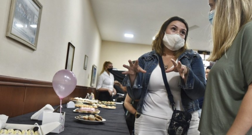Brindar oportunidades: el municipio finalizó el taller de auxiliar en panadería