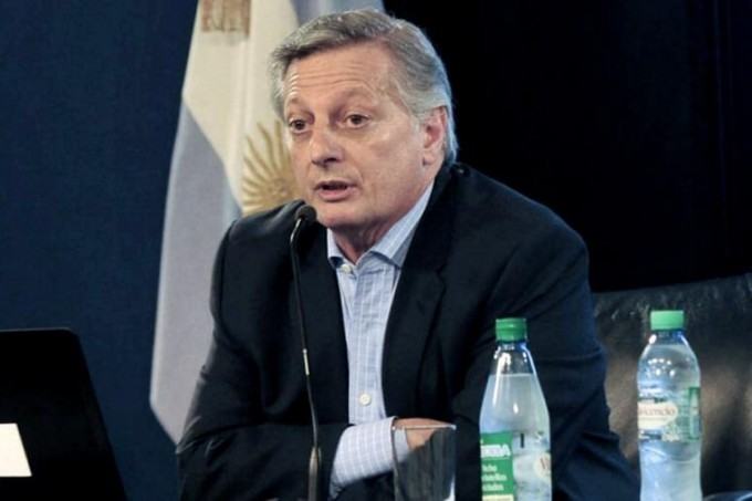 Aranguren afirmó que comprar gas a Chile implica un ahorro de US$ 46 millones