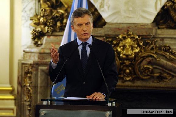 Macri firmó con empresarios un acuerdo para no efectuar despidos durante 90 días