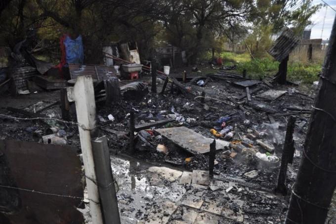 Bahia Blanca: Incendiaron la vivienda del detenido que confesó el crimen de Micaela Ortega