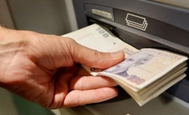 El Gobierno oficializó el aumento del nuevo salario mínimo de $ 8.060