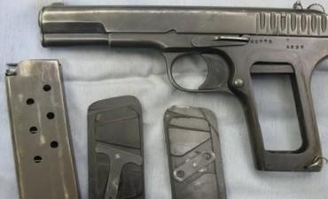 Detuvieron a un sujeto con parte de las 700 armas robadas