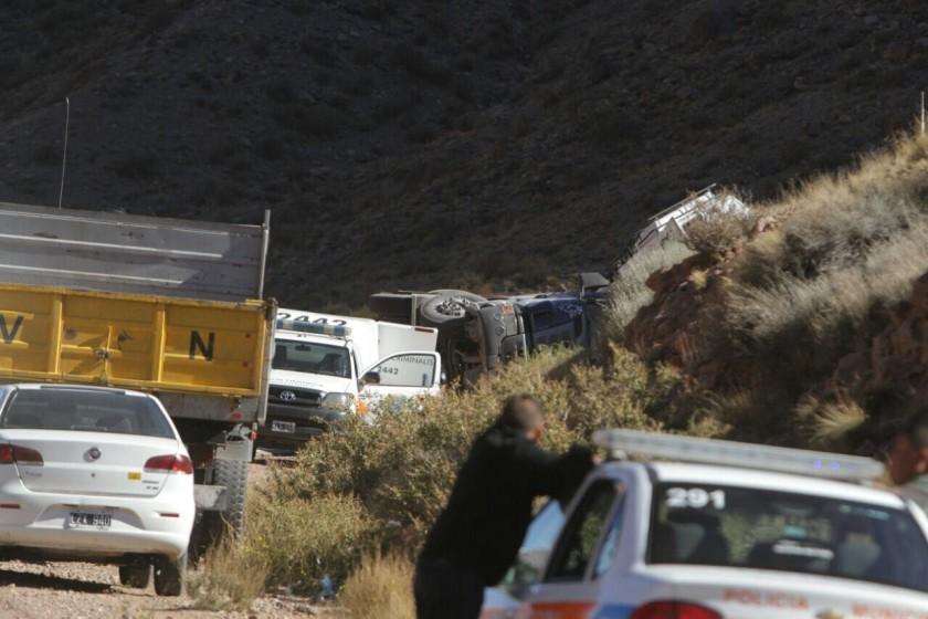 Cuatro muertos en un choque entre dos vehículos en Mendoza