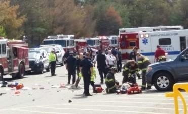 Estados Unidos: tres personas murieron tras ser embestidos por un auto en una subasta
