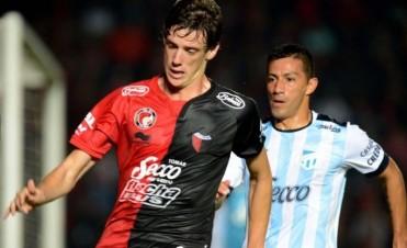 Colón empató agónicamente ante Atlético Tucumán y sigue invicto