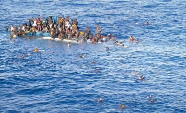 Nuevo hundimiento de barco con refugiados habría dejado al menos 200 muertos