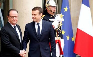 Emmanuel Macron asumió oficialmente la presidencia de Francia