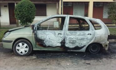 Quemaron un auto en Santo Tomé