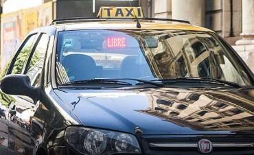 Asaltaron a un taxista en barrio Los Hornos