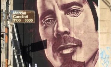 Realizan un enorme mural en homenaje Chris Cornell en Candioti Sur
