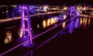 Esta tarde se inauguran las nuevas luminarias del Puente Colgante