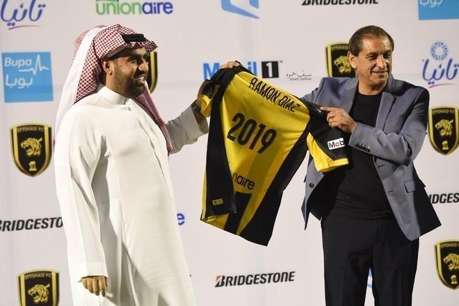 Ramón Díaz continuará como DT en un club de Arabia Saudita