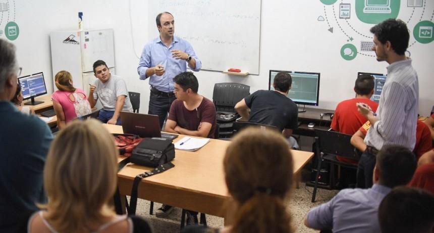 Nación y Ciudad, juntos para capacitar a jóvenes en la industria del software