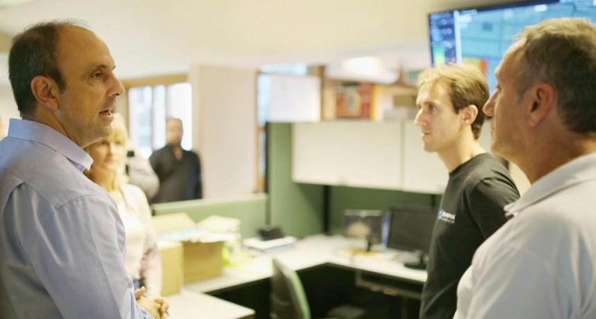 Corral visitó la empresa Acronex