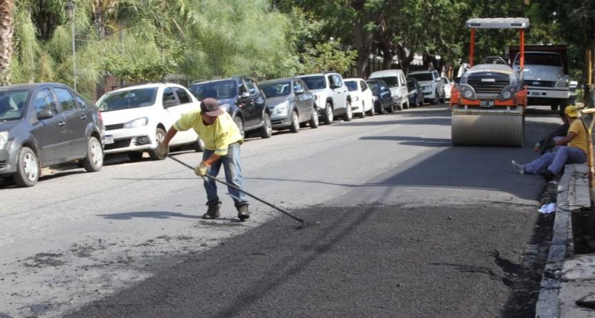 Cinco millones de pesos en bacheo asfáltico para barrio Candioti