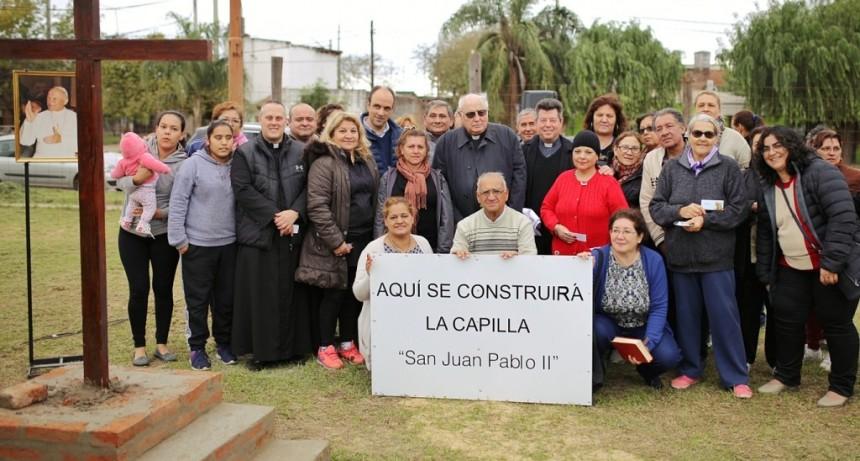 José Corral y monseñor Arancedo firmaron un convenio para la parroquia de Coronel Dorrego