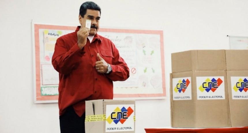 Con fuerte abstención, Nicolás Maduro fue reelecto