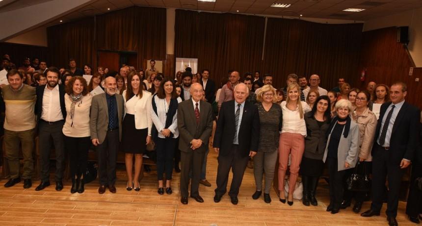 La Fundación Banco Santa Fe y el gobierno de la provincia firmaron convenios para programas educativos