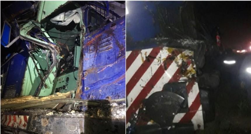 Dos personas murieron por un choque entre un tren y un camión en Pilar