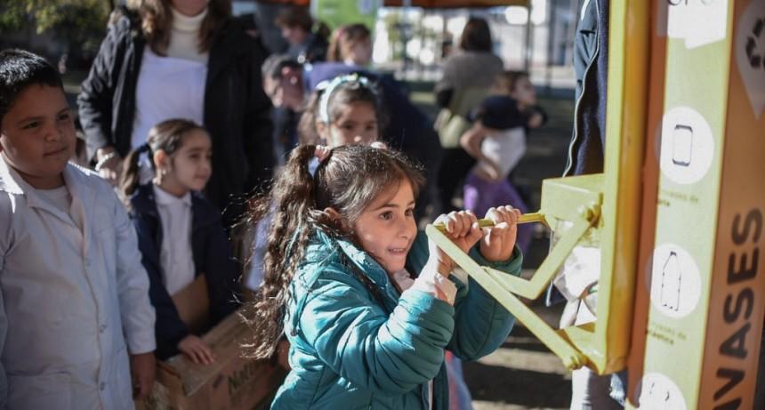 En la Plaza 9 de Julio, la Ciudad celebró el Día Internacional del Reciclaje