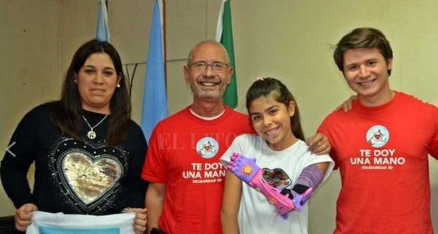 Te Doy Una Mano: El grupo que le otorgó el brazo ortopédico a Milena