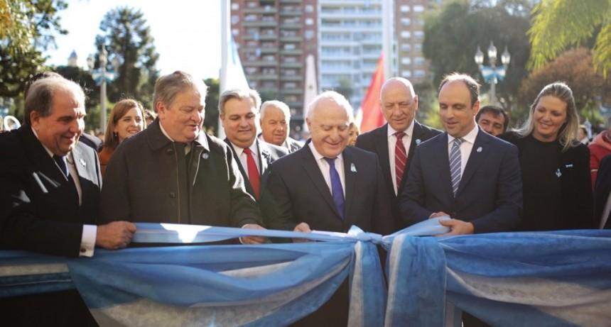 Corral participó de los actos por el 208° aniversario de la Revolución de Mayo