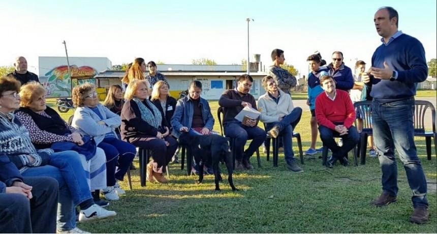 A diálogo abierto, municipio y vecinos proyectan la plaza para Barrio Favaloro
