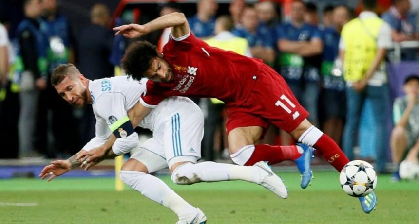 Un abogado egipcio demandó a Ramos por 1000 millones de euros por la lesión a Salah