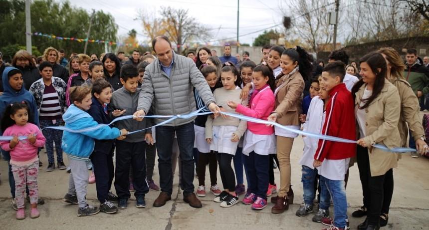 Corral inauguró las obras sobre calle Lavaisse entre Peñaloza y Blas Parera