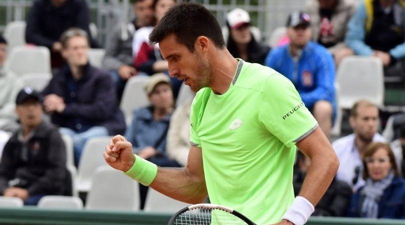 Mayer se quedó con el duelo argentino ante Schwartzman en Roland Garros