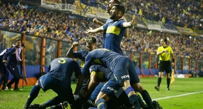 Boca ganó sobre el final y clasificó primero de su grupo en la Copa Libertadores