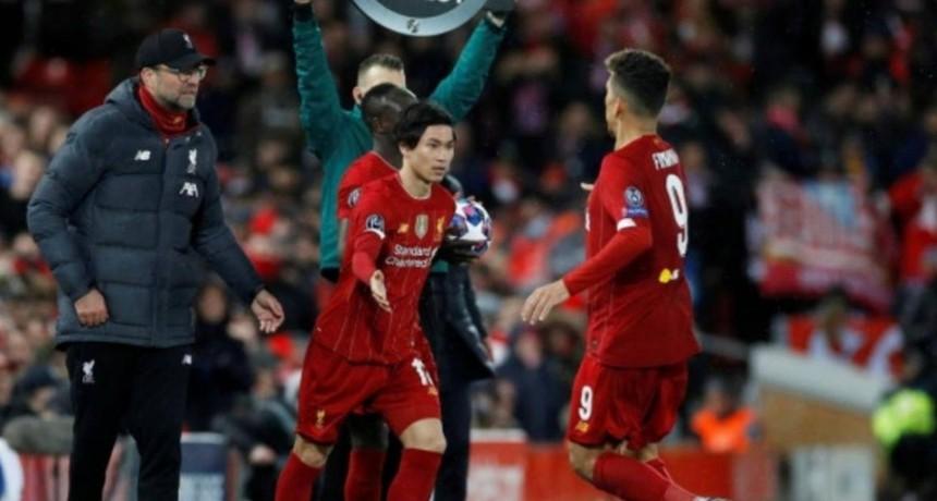 Fútbol: Cinco cambios por equipo