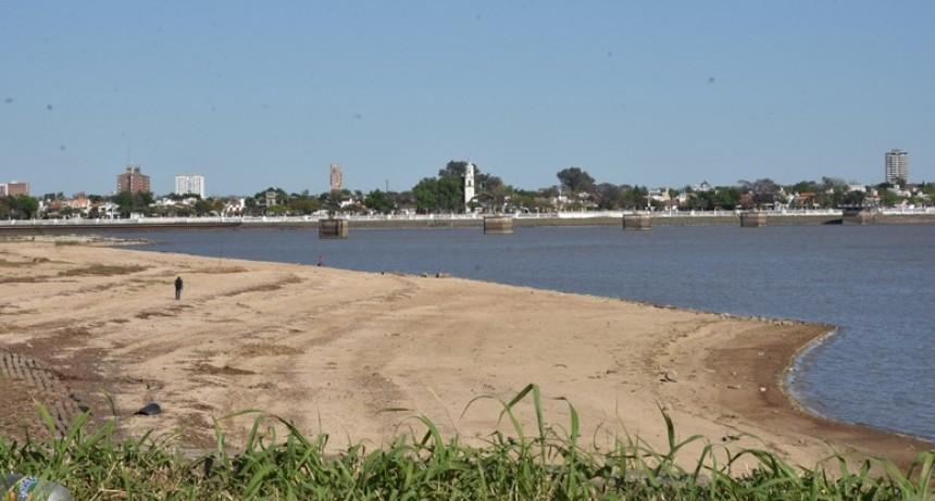 Por la bajante del Paraná Brasil abrirá la represa Itaipú
