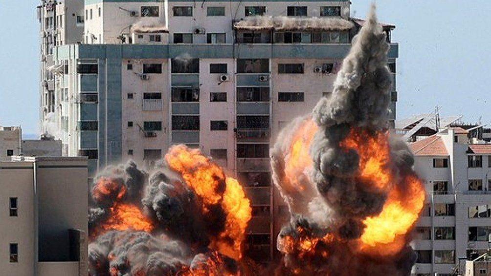 Israel bombardeó tres edificios y murieron 26 personas