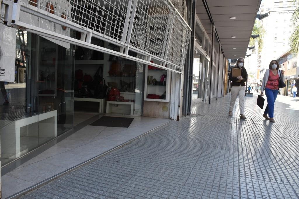 Alberto Fernández anunció el confinamiento total por nueve días